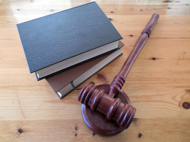 Factors to Consider When Choosing a Lawyer
